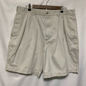 Perry Ellis shorts size 40